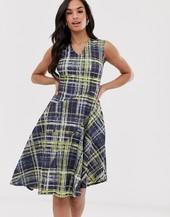 Vestido Asimétrico A Cuadros De Closet