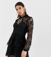Minivestido Negro Con Detalle De Superposición De Croché Y Parte Delantera Anudada De Missguided