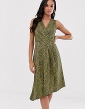 Vestido Con Diseño Cruzado Asimétrico De Closet