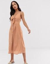 Vestido Veraniego Texturizado Con Nudo Delantero De Y.a.s